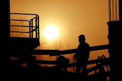 Werk in uitvoering op ongelooflijke zonsondergang royalty-vrije stock foto