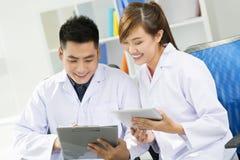 Werkende artsen Stock Afbeelding