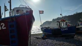 Werkende boten op het strand Royalty-vrije Stock Afbeelding