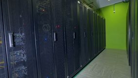 Werkende gegevensservers stock footage