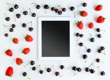 Werkende Plaats met Tablet Royalty-vrije Stock Afbeeldingen