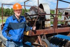 Werkende plaats van hogere ingenieur op behandelings van afvalwaterinstallatie Royalty-vrije Stock Fotografie