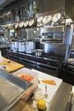 Werkende restaurantkeuken Royalty-vrije Stock Afbeelding