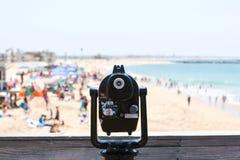 Werkingsgebied die met munten een Strand overzien royalty-vrije stock afbeelding