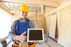 Werkman met tablet Stock Afbeeldingen