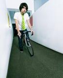 Werknemer op fiets Royalty-vrije Stock Fotografie