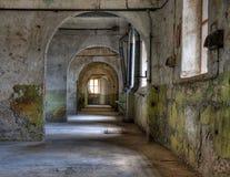 Werkstätten in einem verlassenen Gefängnis Stockbilder