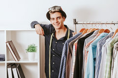 Werkstatt des Mannes in Mode Lizenzfreies Stockfoto