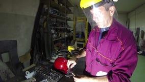 Werkstatt-Ingenieur stock video footage