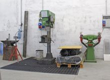Werkstatt mit Bohrgerät Stockfotografie