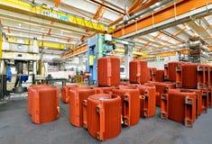 Werktuigbouw: close-up van elektrische motoren in productie Stock Foto's