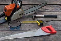 Werkzeug-rustikaler hölzerner Hintergrund Stockfotografie