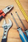 Werkzeuge auf Tabelle Stockbild