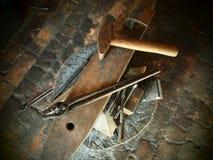 Werkzeuge eines Schmiedes Stockbilder