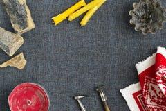 Werkzeuge für das Malen von Eiern für Ostern Lizenzfreies Stockfoto