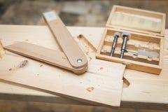 Werkzeuge für die Verarbeitung des Holzes Stockfotografie