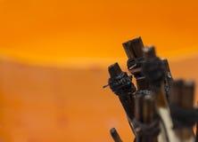 Werkzeuge für das Ostereieinwachsen Stockfotos