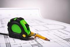 Werkzeuge und Bauzeichnungen Lizenzfreie Stockfotos