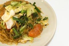 Wermiszel smażyli warzywa, jajko: Tajlandzki jedzenie styl Fotografia Royalty Free