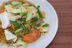 Wermiszel smażyli warzywa, jajko: Tajlandzki jedzenie styl Zdjęcie Royalty Free