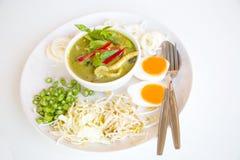 Wermiszelu amd kurczaka zieleni curry'ego jedzenia Tajlandzki styl Obrazy Royalty Free