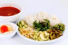 Wermiszelu rozwiązanie i rybiego curry'ego kokosowy mleko z warzywem Zdjęcia Stock