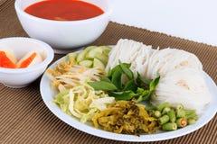 Wermiszelu rozwiązanie i rybiego curry'ego kokosowy mleko z warzywem Fotografia Stock