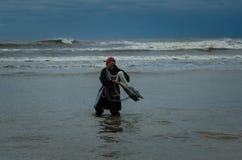 Werpnet die op de Zwarte Zee vissen Royalty-vrije Stock Foto's