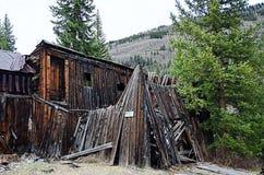 Werven van huizen waarin 20 jaar niet wordt gewoond in Stock Fotografie