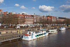 Weser flod i Bremen, Tyskland Royaltyfri Fotografi