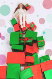 Wesoło boże narodzenia 2016 Cyber Poniedziałek USA Dziewczyna trzyma Cristmas prezent Zdjęcie Stock