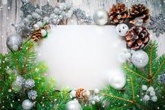 Wesoło boże narodzenia i Szczęśliwy nowy rok Nowego roku ` s tło z nowy rok dekoracjami Nowego roku ` s karta Obraz Royalty Free
