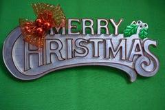 Wesoło boże narodzenia na zielonym tle Zdjęcia Royalty Free