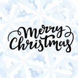 Wesoło boże narodzenia wita literowanie na zimy tle z płatek śniegu i śnieg ilustracja wektor