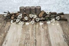 Wesoło bożych narodzeń dekoraci świeczki popielatej śnieżnej kierowej lampowej wiadomości tekstowej snowing przestrzeń Obraz Stock