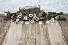 Wesoło bożych narodzeń dekoraci palenia świeczki popielatej śnieżnej kierowej lampowej wiadomości tekstowej snowing przestrzeń Obraz Royalty Free
