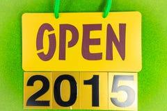 2015 Wesoło bożych narodzeń i Szczęśliwych nowy rok ulotki, pokrywy na zieleni Zdjęcia Stock