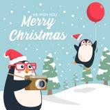 Wesoło bożych narodzeń pingwinu kreskówka z śnieżnym sosnowym lasem ilustracja wektor