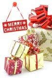 Wesoło bożych narodzeń talerz z prezentów pudełkami Zdjęcia Royalty Free