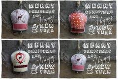 Wesoło bożych narodzeń wiadomość, dekoracja rogacz i Hearth na Blaszanym Bell, Zdjęcie Royalty Free