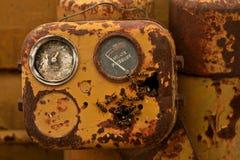 Wespen in oude machines Stock Foto's