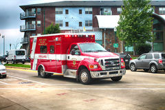 West Allis brandDeaprtment ambulans Arkivbilder