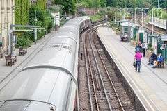 West Brompton underground station platforms, with southbound tra Stock Photos