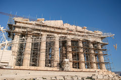 West Facade of Parthenon during restoration works. Construction began in 447 BC when the Athenian Empire was at the peak of its power. It was completed in 438 BC stock images