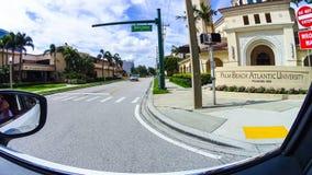 WEST PALM BEACH Florida -7 Maj 2018: Sikt av det atlantiska universitetet för Palm Beach i West Palm Beach, Florida som förenas Arkivfoton