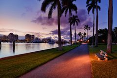West Palm Beach la nuit image libre de droits