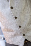 Weste und Bindungsnahaufnahme an der Hochzeit stockfoto