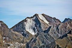 Westelijke flank van Piekenfer 3082 m in de Spaanse Pyreneeën stock afbeeldingen
