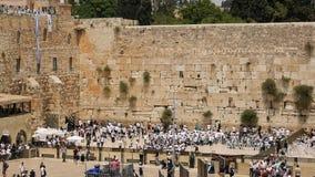 Westelijke Muur in de Joodse heilige plaats van Jeruzalem stock videobeelden
