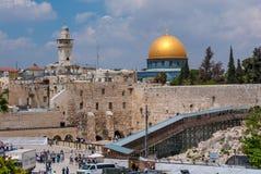 Westelijke Muur & koepel van Al Aksa-moskee hierboven, Jeruzalem, Israël Stock Fotografie